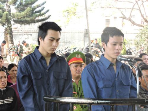 ke-dao-vao-co-ban-gai-dang-anh-facebook-de-doi-cuoi-nong-nhat-mang-xh-3