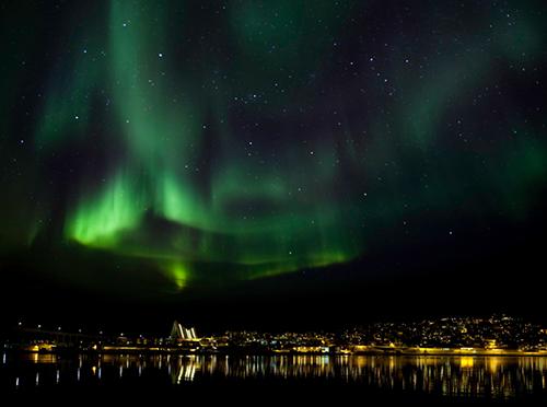 Ảnh 3: Cực quang, hiện tượng lý thú chỉ xuất hiện vào mùa đông ở các thành phố phía bắc của Bắc Âu