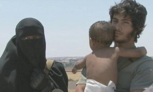 Grace Dare cùng con trai Isa vàchồng mớiAbu Bakr