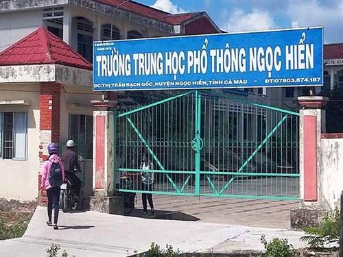 phi-nhung-tra-lai-10000-do-tien-cat-xe-dam-cuoi-nong-nhat-mang-xh-5