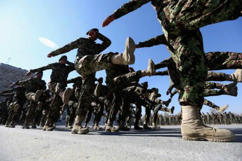 binh-si-ma-khien-afghanistan-chat-vat-chong-taliban