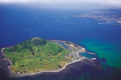 Jeju là đảo lớn nhất Hàn Quốc. Ảnh: Insidevs