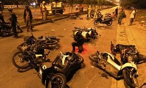 Hàng chục 'quái xế' Sài Gòn ngã nhào khi chạy trốn cảnh sát