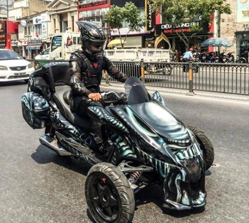 tho-viet-che-sieu-moto-batman-2