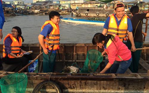 Chợ nổi Cái Răng là điểm đến hấp dẫn bậc nhất Cần Thơ nhưng gần đây bị phản ánh tình trạng quá nhiều rác thải trên sông việc thu gom là rất cần thiết. Ảnh: Cửu Long