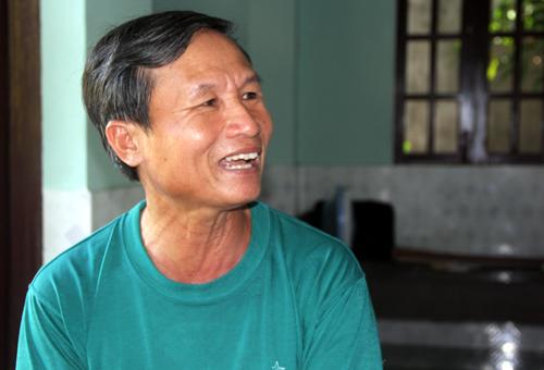 nguoi-dan-ong-tan-tao-nuoi-5-con-vao-dai-hoc-1
