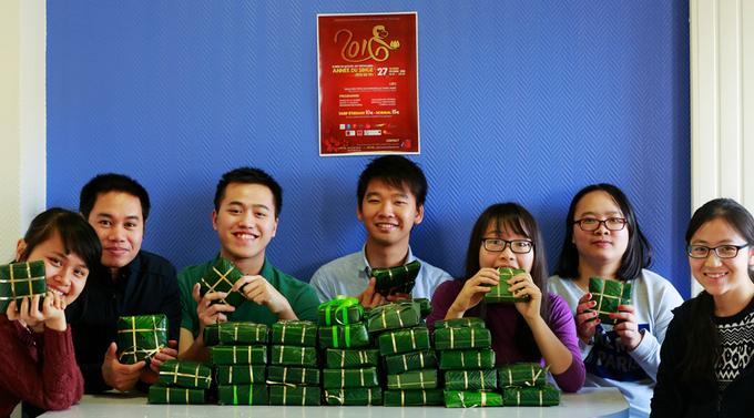 Bánh chưng xanh của sinh viên Việt trên đất Pháp