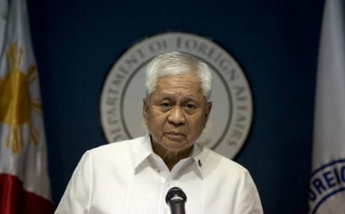 Ngoại trưởng Philippines Albert del Rosario. Ảnh: Rappler