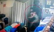 Tên cướp tát cô gái bất tỉnh để trộm laptop