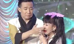 Dương Quá Trấn Thành nghẹn ngào khi gặp lại Cô Long