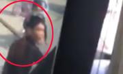 2 thanh niên chặn đầu, đập vỡ kính xe buýt