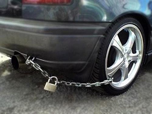 Khó thế này chắc trộm không lấy được đâu.