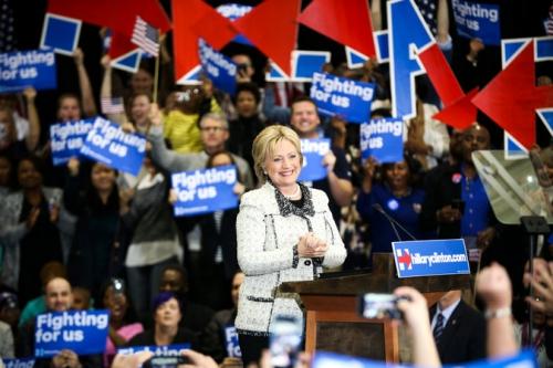 Bà Clinton tại chiến dịch tranh cử ở Columbia, bang Nam Carolina. Ảnh: New York Times