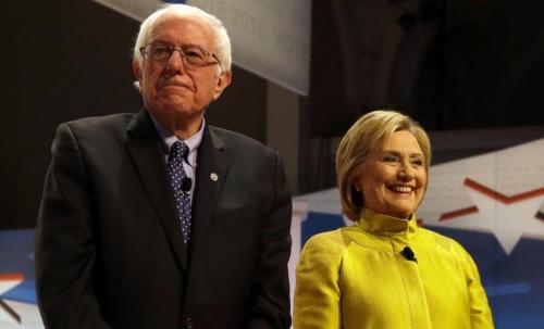 Bernie Sanders, thượng nghị sĩ bang Vermont và cựu ngoại trưởng Hillary Clinton. Ảnh: AP