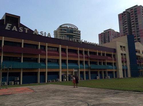 nganh-quan-tri-kinh-doanh-du-lich-khach-san-singapore-1
