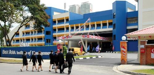 nganh-quan-tri-kinh-doanh-du-lich-khach-san-singapore