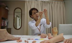 Người phụ nữ chuyên làm ngón tay giả cho cựu mafia Nhật