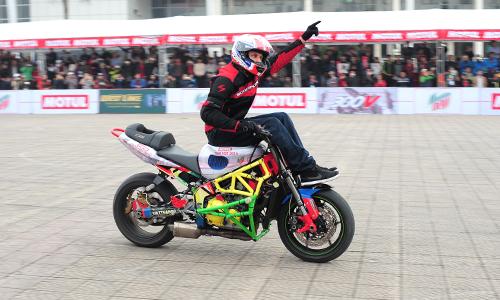 biker-viet-tranh-tai-moto-mao-hiem-tai-ha-noi