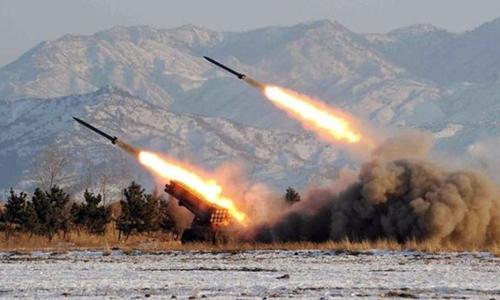 Triều Tiên hôm nay phóng hai tên lửa tầm ngắn ra vùng biển phía đông nước này, động thái có thể khiến căng thắng quân sự trên bán đảo Triều Tiên gia tăng.