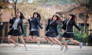 Những cô nàng tinh nghịch trường Chu Văn An