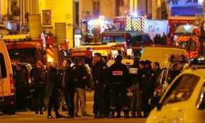 Pháp bắt hai thiếu nữ định tấn công Paris