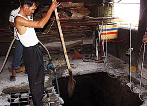 mui-tu-khi-to-ga-chong-phi-tang-xac-vo-duoi-ham-biogas