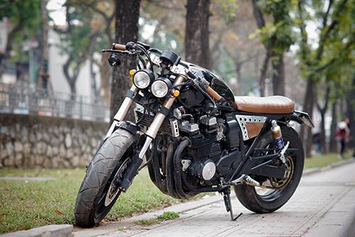 yamaha-xjr400-cafe-racer-cua-ky-su-tin-hoc-ha-noi