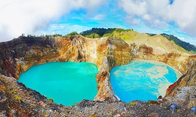 10 hồ miệng núi lửa ấn tượng nhất trên Trái Đất