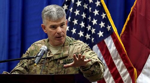 Đại tá Steve Warren