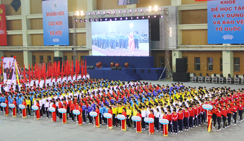 7000-hoc-sinh-ha-noi-tham-gia-hoi-khoe-phu-dong
