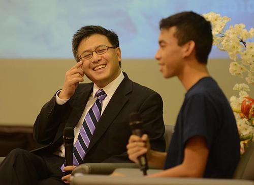 Đan đã mời được Bộ trưởng Tài chính của bang California ôngJohn Chiang đến câu lạc bộ của mình để trao đổi kinh nghiệm về việc quản lý tài chính
