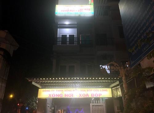 kich-duc-trong-tiem-massage-gia-500000-dong