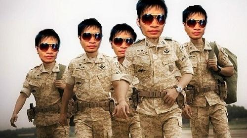 Lệ Rơi gia nhập làng quân ngũ.