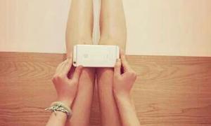 Trào lưu khoe chân thon bằng Iphone 6 ở Trung Quốc