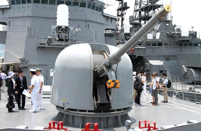 Hai chiến hạm Nhật Bản cập cảng Cam Ranh