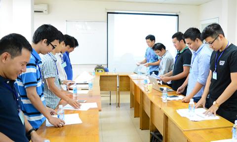Lớp học lạ đời 'không cãi thầy khó tốt nghiệp'