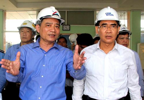 Bộ trưởng Trương Quang Nghĩa thị sát tại ga Biên Hòa sáng nay. Ảnh: Phước Tuấn