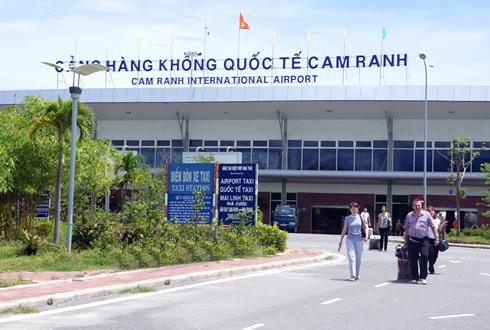 xay-moi-nha-ga-san-bay-cam-ranh-gap-3-cong-suat-hien-tai