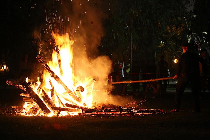 Huyền bí lễ hội nhảy lửa Pà Thẻn