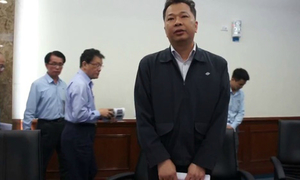 'Ông Chu Xuân Phàm lấy vợ Việt, ở VN gần 20 năm' nóng trên mạng XH