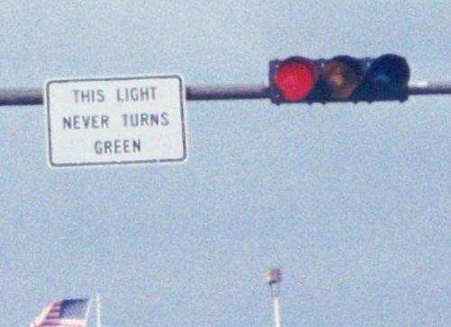 Đèn xanh không bao giờ sáng.