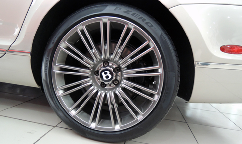 bentley-continental-speed-rao-ban-3-8-ty-dong-6