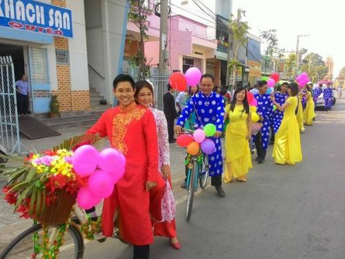 tranh-cai-ve-bat-pho-105-nghin-dong-o-san-bay-tan-son-nhat-nong-tren-mang-xh-5