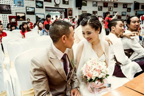 Cô dâu Thiên Hương và chú rể Hoàng Dũng.