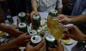 Nghệ An cấm học sinh uống rượu khi liên hoan chia tay cuối năm