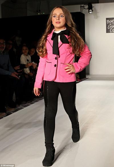 Isabella tự tin sải bước trong tuần lễ Thời trang New York hồi tháng 2. Ảnh: WireImage