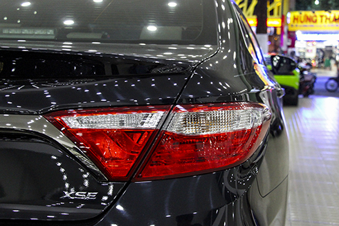toyota-camry-nhap-khu-luot-gia-1-7-ty-dong-6