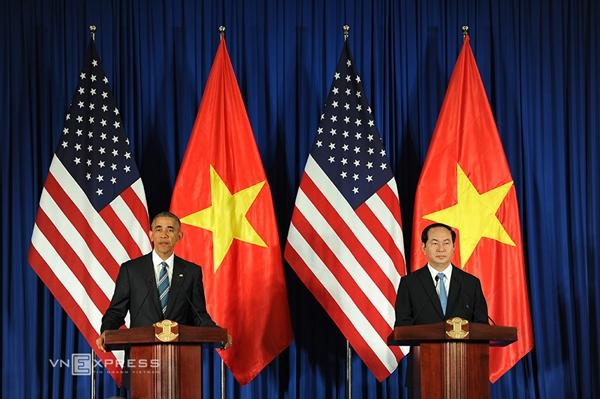 Chủ tịch nước Trần Đại Quang và Tổng thống Mỹ Barack Obama tại cuộc họp báo. Ảnh: Reuters