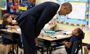 Tổng thống Obama mang sách điện tử đến cho người nghèo