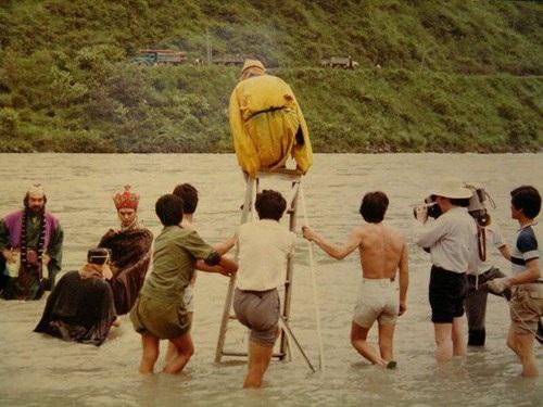 Sự thật về màn bay lượn qua sông của Tề Thiên Đại Thánh.